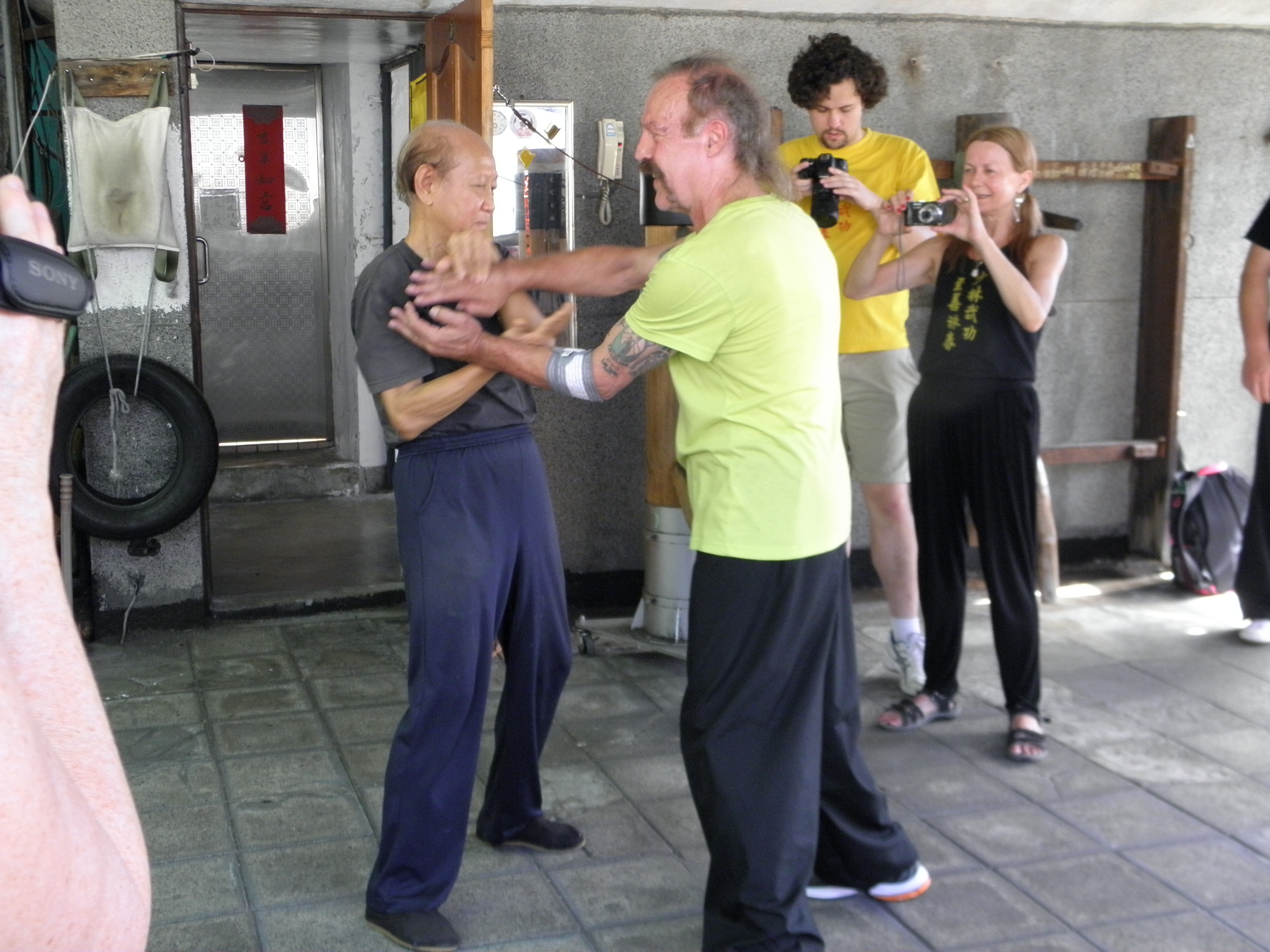 GM Lo Man Kan Chi Sao with Sifu Garry