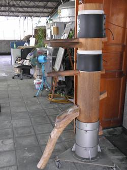 GM Lo Man Kam's wooden dummy