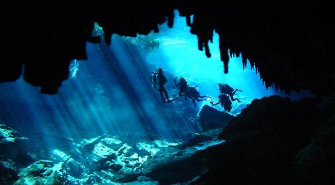 Vreloto cave