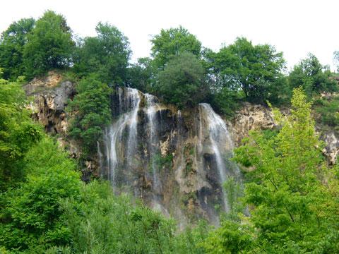 Under spraying of Waterfall