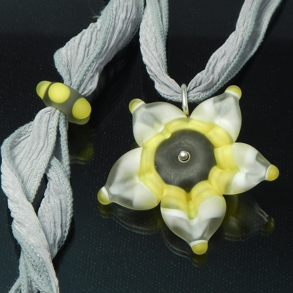 Lovely Bloom Necklace