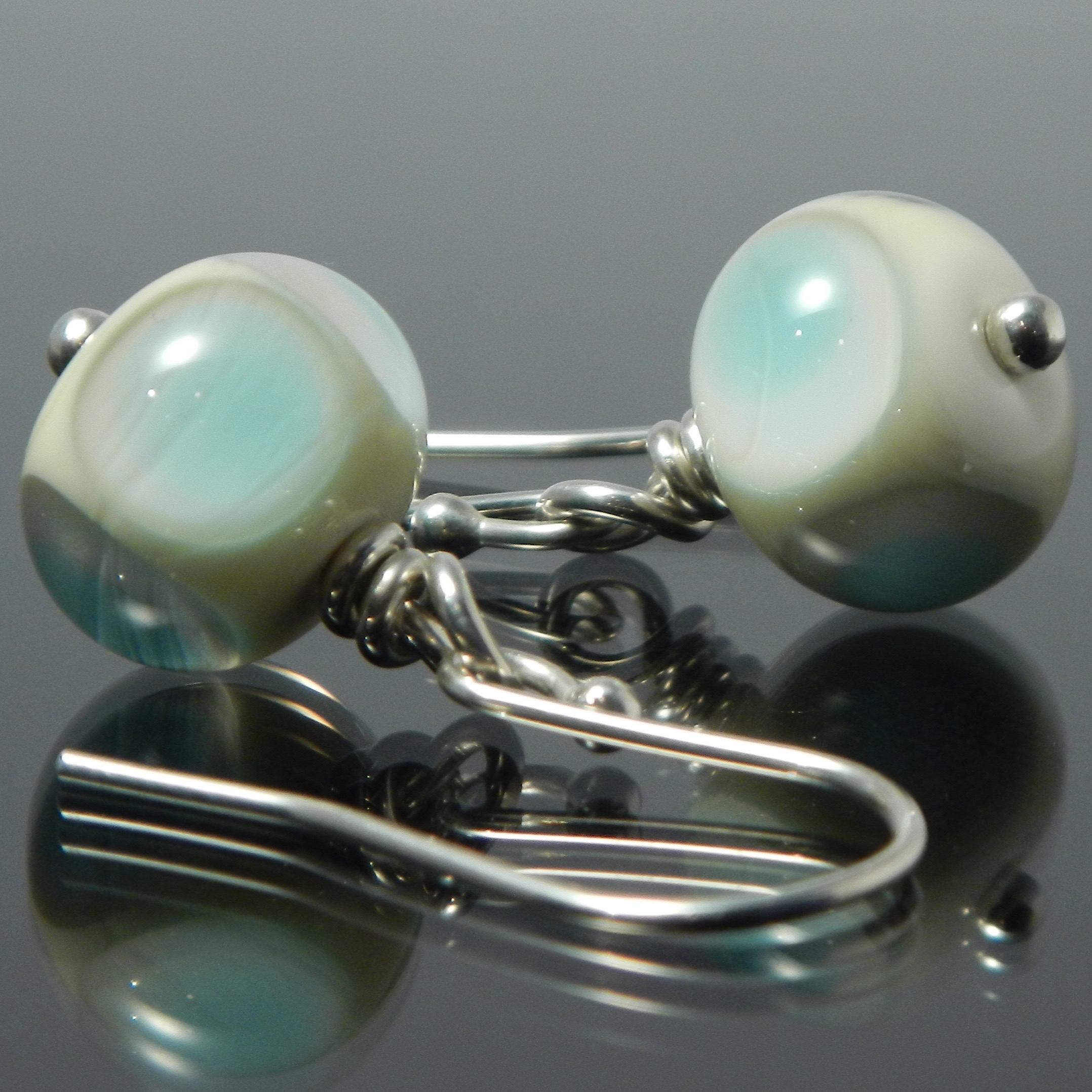 Handmade lampwork glass bead earring