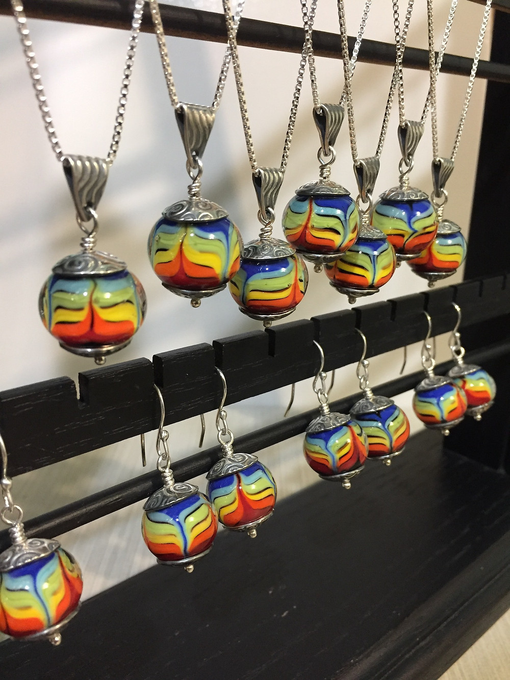 handmade lampwork glass necklaces and earrings