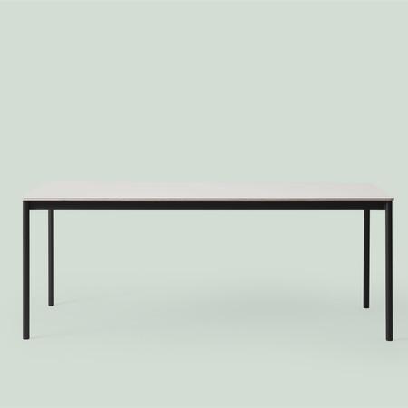 Base Tisch von Muuto