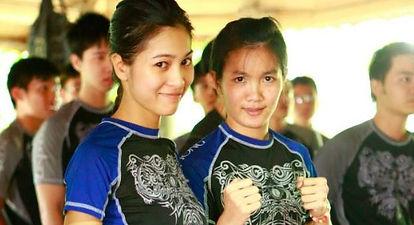 Nữ Chiến Binh Liên Phong - Female Warriors