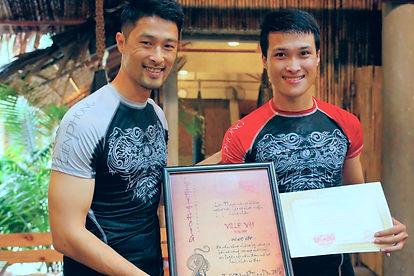 Johnny Trí Nguyễn | Liên Phong chứng nhận lên cấp