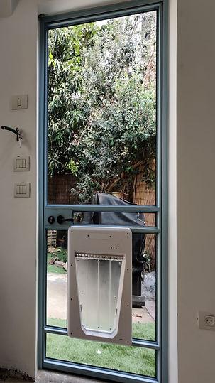 פתח בדלת לחתול   דלת לחתול \כלב