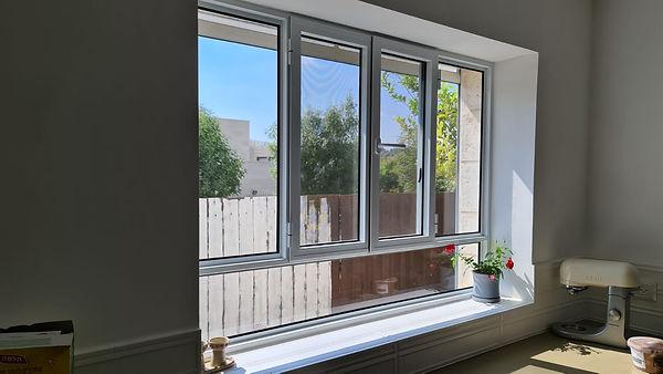 חלון בלגי.jpg