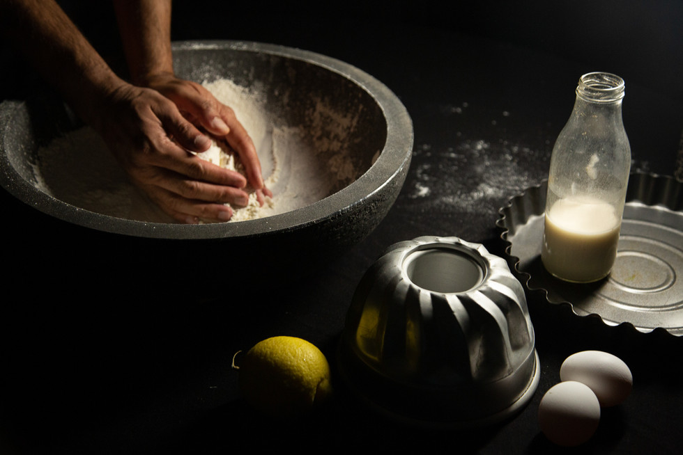 baking hands with flour