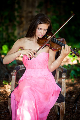 A girl with a Violin