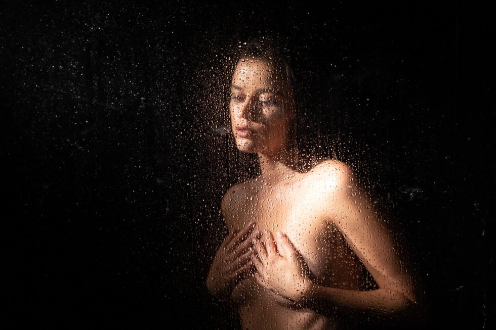 nude with waterdrops.jpg
