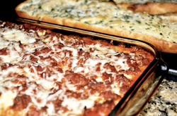 Lasagna & garlic bread