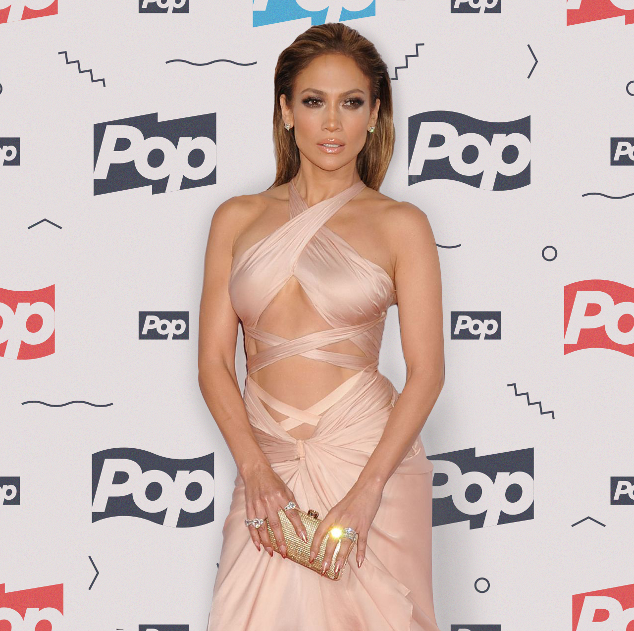 jennifer-lopez-on-red-carpet-2014-american-music-awards-in-los-angeles_6