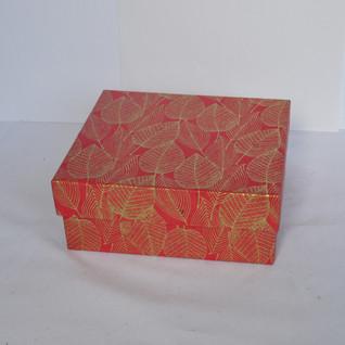 Box Leaf Design Red