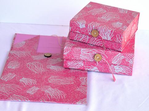 Flat Box Jelly Fish Pink_edited.jpg