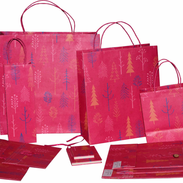 TREE-DESIGN-PRINTED-GIFT-BAGS