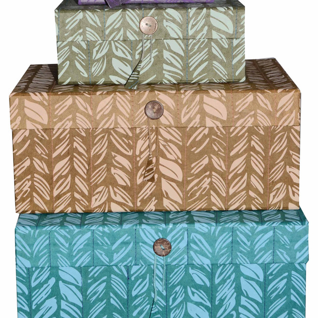 STITCHING-DESIGN-GIFT-BOXES
