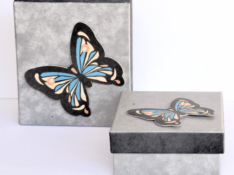 GiftBox Butterfly Grey_edited.jpg