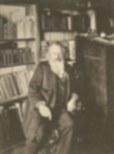 Johannes_Brahms_(1833–1897)_ca_1890.jpg