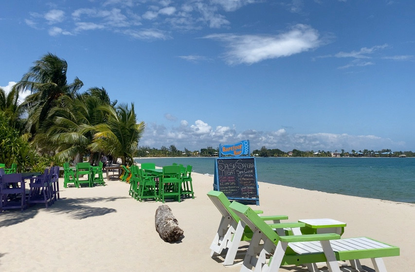 Barefoot Bar in Placencia, Belize
