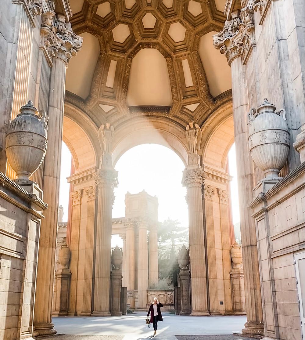 Blogger Rosanna Stevens at the Palace of Fine Arts in San Francisco