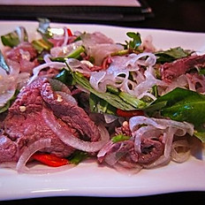 6. Bò Tái Chanh - Vietnamese Beef Tar Tar Salad