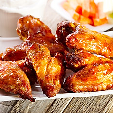 6A . Chicken Wings and Sweet Chili Sauce  (6pcs )