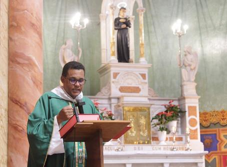 Pe. Edson se despede da Basílica de São Geraldo