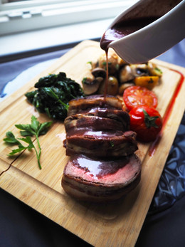 Chateaubriand with wine sauce