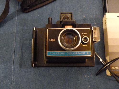 Macchina fotografica Polaroid Colorpack II con diversi accessori
