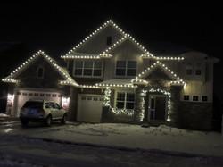 Warm White Roofline and Garland