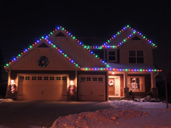 Multi-colored Roofline and Wreath