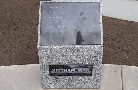 52-Vietnam War Pedestal.JPG