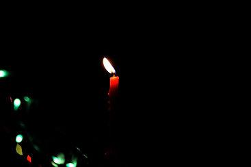 burning-candle-candlelight-735031.jpg