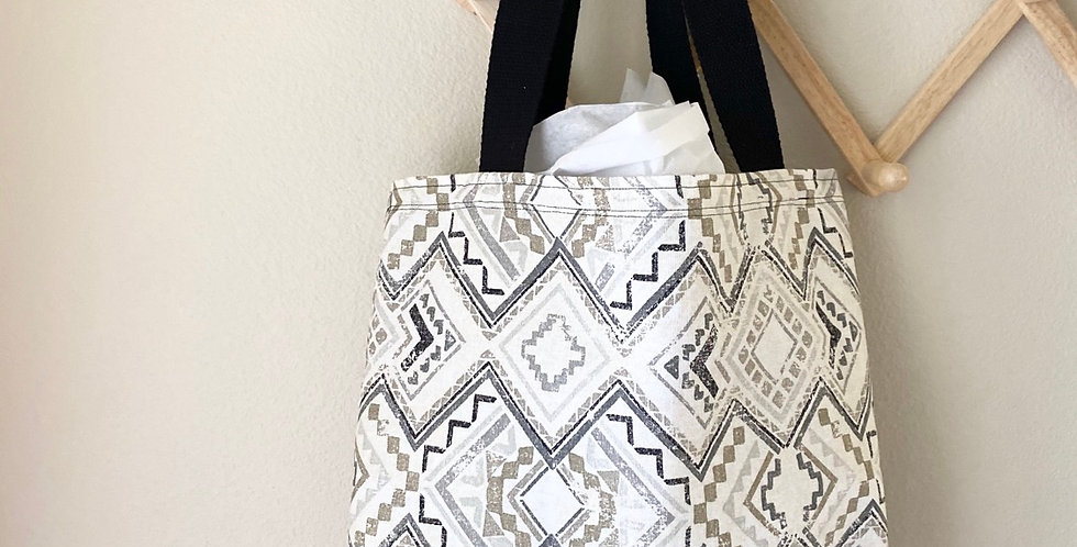 Tote // White Tribal