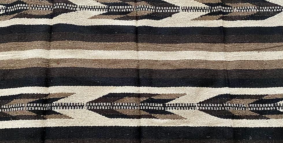 Neutral Arrow // Tribal Blanket