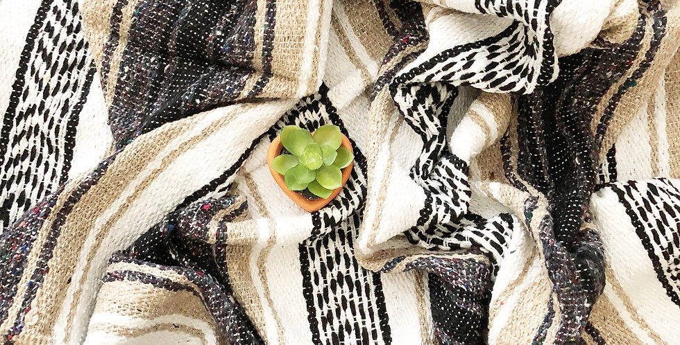Chai // Falsa Blanket
