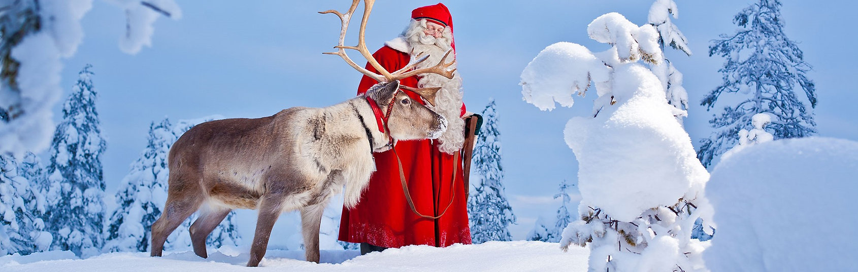 visit-rovaniemi-santa-claus-reindeer-sno