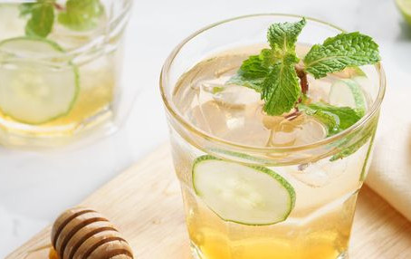 Healthy Honey Mint Lemonade