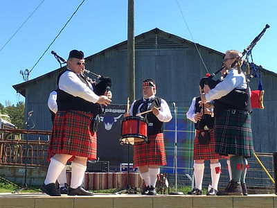 Red River Pipes and Drums play Thistle s