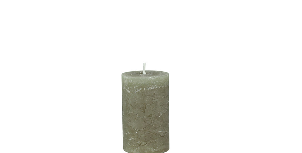 Olive coloured rustic style candle. 16 hour burn time.