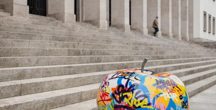 Graffiti Apple