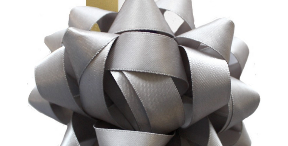 Luxury gift bow in silver