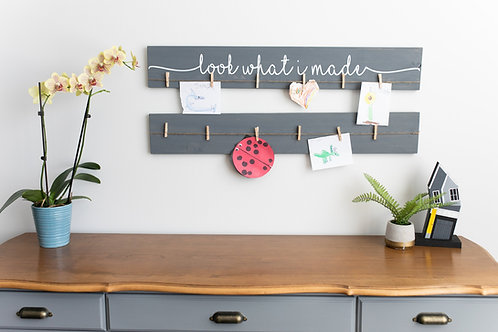 "36"" Kid's Art Display Sign + Blank Sign"