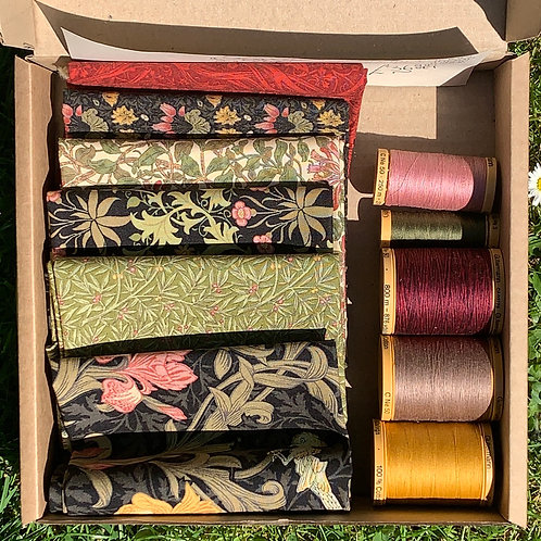Fat Quarter Gift Box & Thread