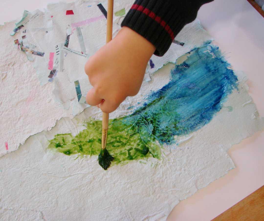 L'art au naturel / papier recylcé & peintures végétales // stage vacances de printemps 2016