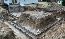Forming foundation footings