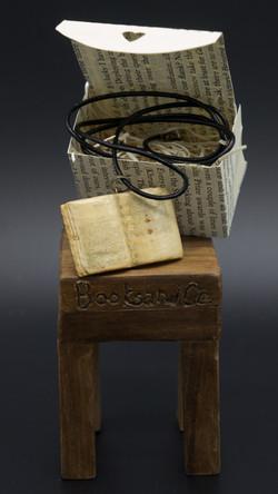 libro antico da collo