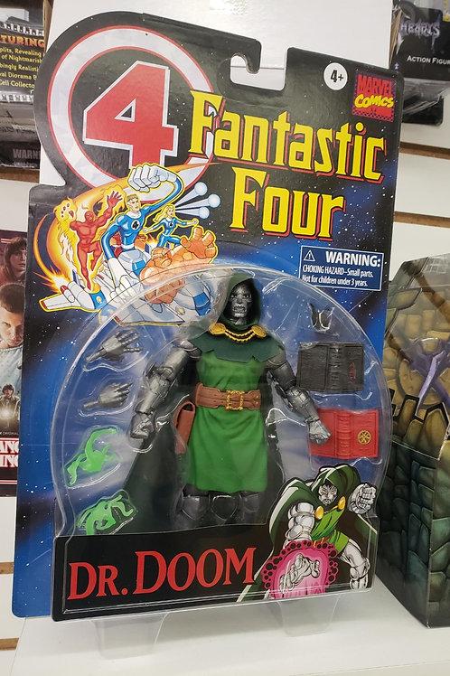 Doctor Doom - Hasbro / Marvel Legends Retro Collection