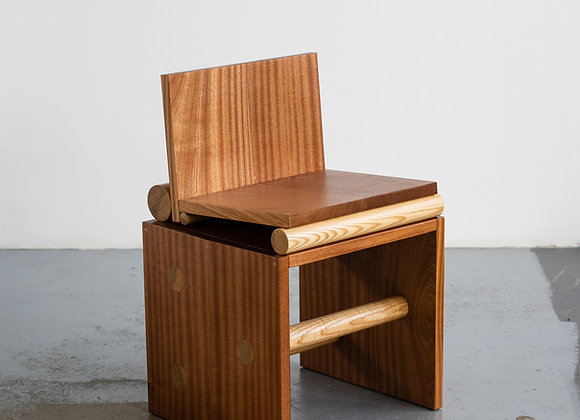 Cantilever Chair 002